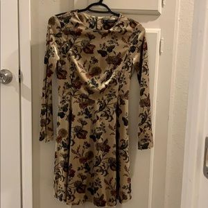 Zara floral velvet dress in XS